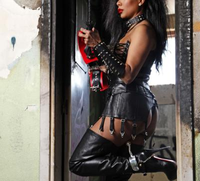 Mistress Geneva - Escort dominatrix Geneva 2