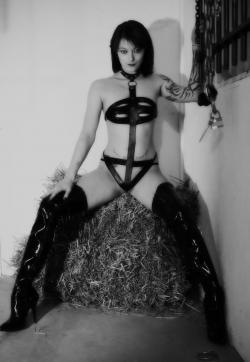 Fetisch-Lady Lena - Escort bizarre ladies Bremen 1