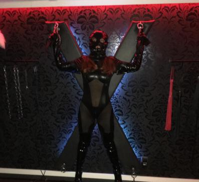 Lola Excludiv - Escort dominatrix Hamburg 3