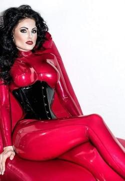 Lady Blackdiamoond - Escort dominatrix Berlin 1