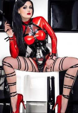Lady Blackdiamoond - Escort dominatrixes Berlin 4