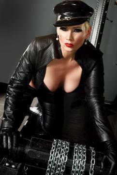Miss Helen Bates - Escort dominatrix Düsseldorf 5