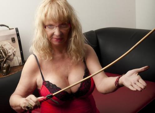 Mistress Marilyn - Escort dominatrix Kitchener 3
