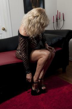 Mistress Marilyn - Escort dominatrix Kitchener 5