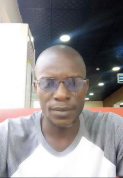 Prof - Escort mens Lagos 1