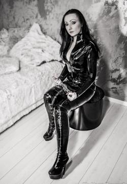 Mistress Luciana - Escort dominatrix Düsseldorf 2