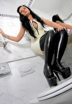 Mistress Luciana - Escort dominatrix Düsseldorf 6