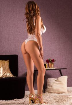 Julia Nobrega - Escort ladies Lisbon 1
