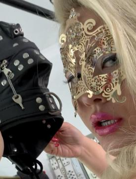 Goldie Goddess - Escort dominatrix Vienna 14