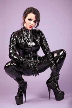 Lady Louisa von Luxe - Escort dominatrix Zurich 6