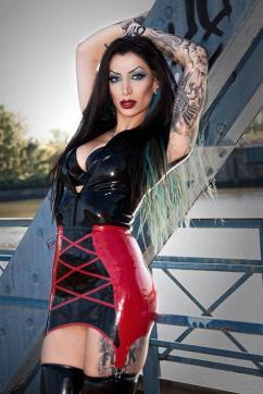 Goddess Domina Charlize - Escort dominatrix Hamburg 17
