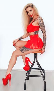 Goddess Domina Charlize - Escort dominatrix Hamburg 2