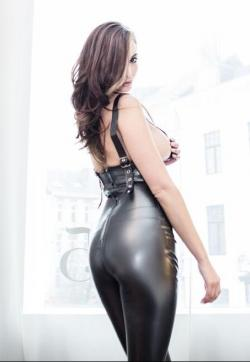 Dominatrix Lisa - Escort dominatrix Cologne 3