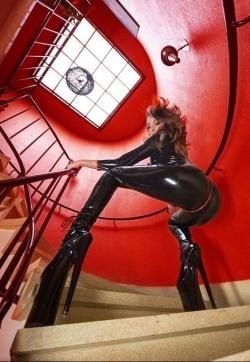 Dominatrix Lisa - Escort dominatrix Cologne 4