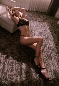 Kate Kompton - Escort lady Toronto 3