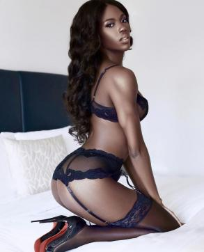 Yasmine - Escort lady London 4