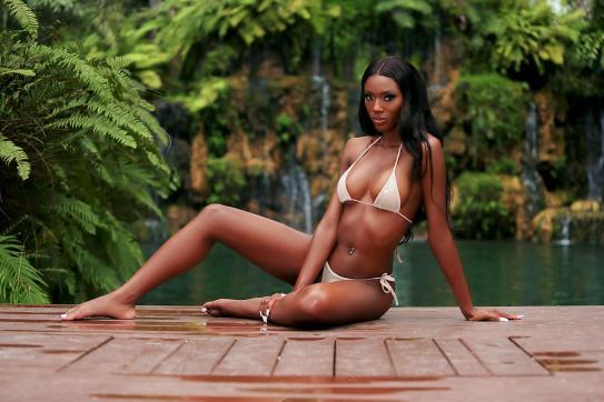 Yasmine - Escort lady London 8