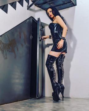 Lady Samira - Escort dominatrix Cologne 13