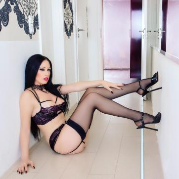 Lady Samira - Escort dominatrix Cologne 7