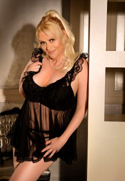Mona - Escort ladies London 1