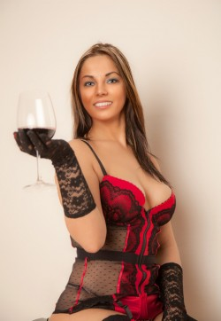 Iulia - Escort ladies Vienna 1