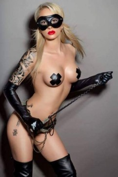 Mistress Iza - Escort dominatrix London 4