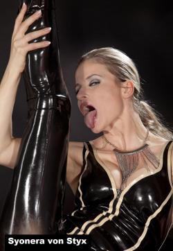 Syonera von Styx - Escort dominatrix Dresden 13