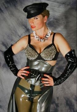 Syonera von Styx - Escort dominatrixes Dresden 4