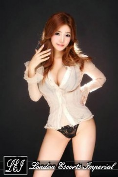 Akemi - Escort lady London 2